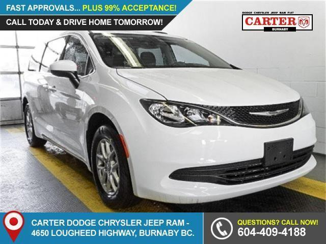 2017 Chrysler Pacifica LX (Stk: W830850) in Burnaby - Image 1 of 7