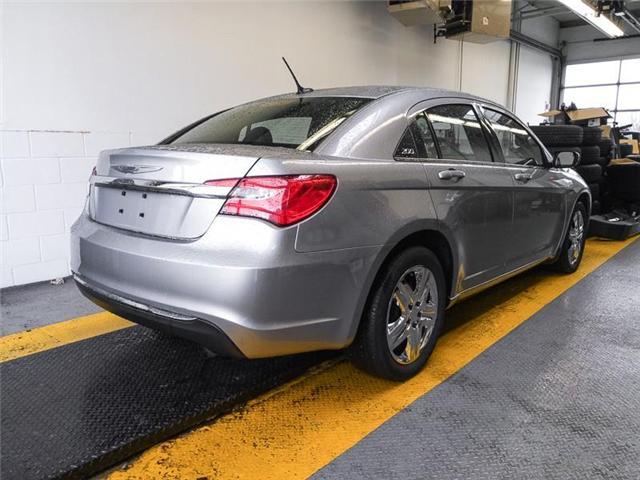 2013 Chrysler 200 LX (Stk: 9-5782-1) in Burnaby - Image 2 of 21