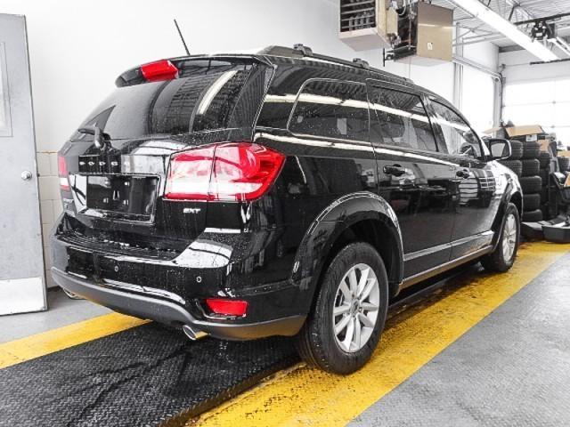 2018 Dodge Journey SXT (Stk: 2203930) in Burnaby - Image 2 of 6