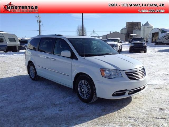 2014 Chrysler Town & Country Touring-L (Stk: RT065A) in  - Image 6 of 16