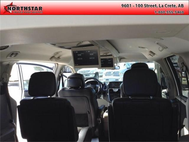 2014 Chrysler Town & Country Touring-L (Stk: RT065A) in  - Image 10 of 16