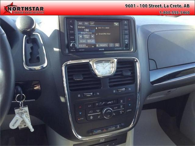 2014 Chrysler Town & Country Touring-L (Stk: RT065A) in  - Image 12 of 16