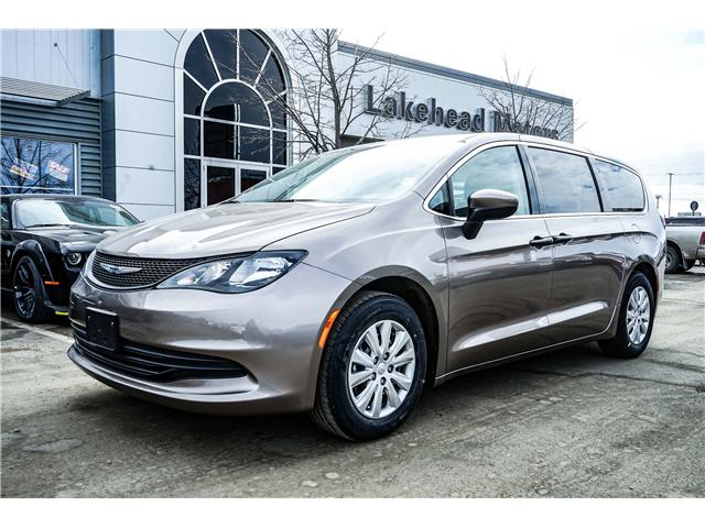 2018 Chrysler Pacifica L (Stk: 181415) in Thunder Bay - Image 1 of 11