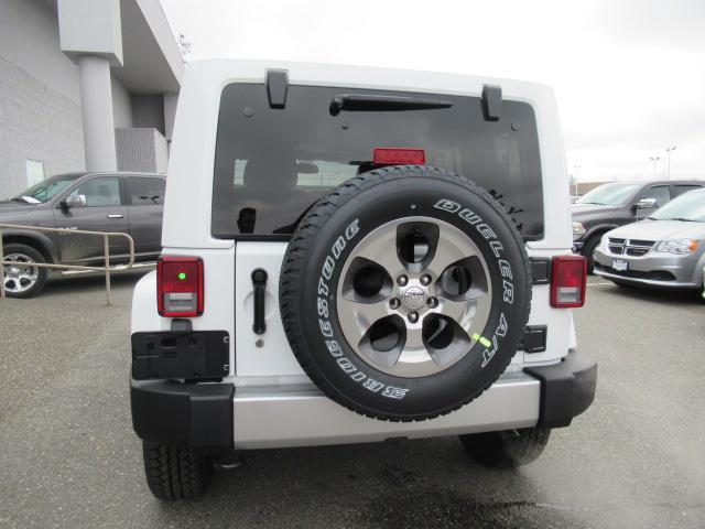 2018 Jeep Wrangler JK Unlimited Sahara (Stk: J864085) in Surrey - Image 6 of 12
