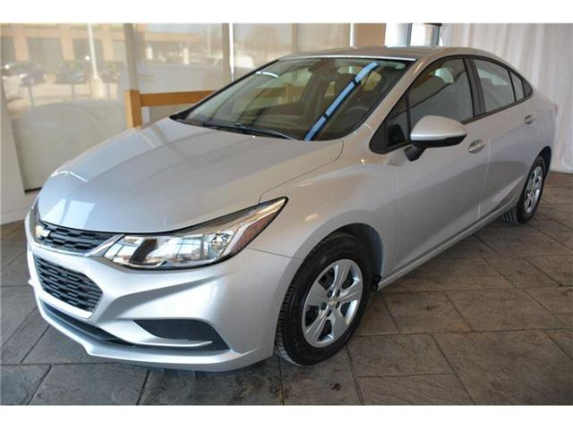 2017 Chevrolet Cruze LS Auto (Stk: 542227) in Milton - Image 2 of 42