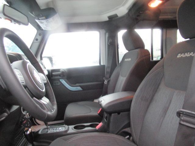 2018 Jeep Wrangler JK Unlimited Sahara (Stk: J864084) in Surrey - Image 5 of 10