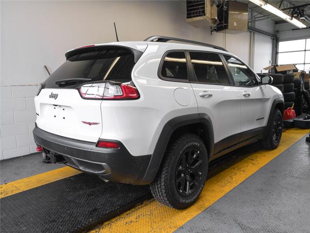 2019 Jeep Cherokee Trailhawk (Stk: K138280) in Burnaby - Image 2 of 6