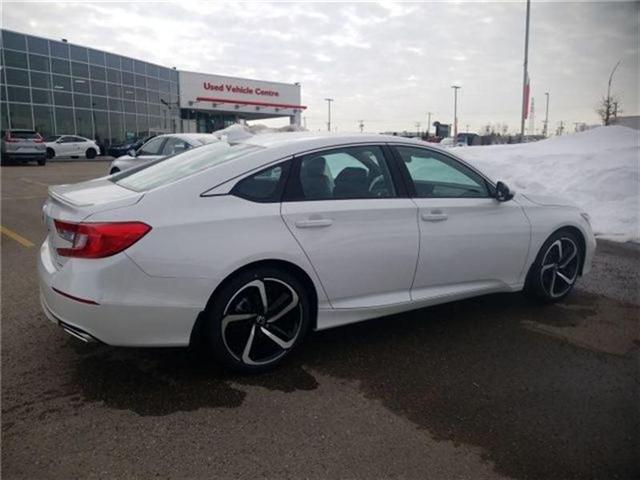 2018 Honda Accord Sport (Stk: 2180706) in Calgary - Image 2 of 9