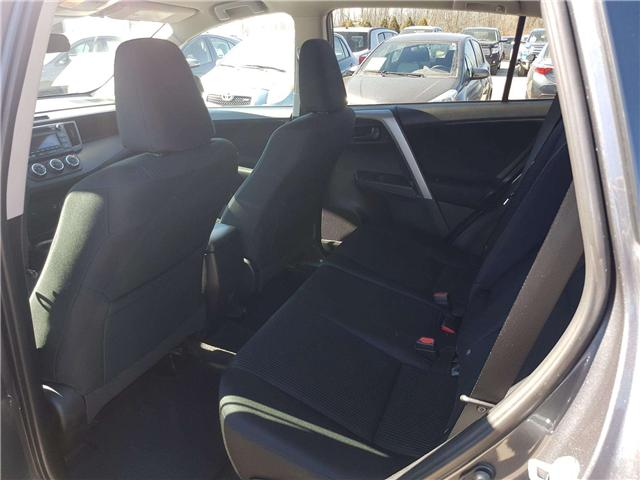 2016 Toyota RAV4 LE (Stk: U00613) in Guelph - Image 11 of 25