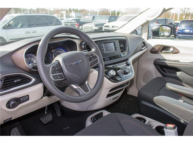 2017 Chrysler Pacifica LX (Stk: H719895) in Abbotsford - Image 16 of 25