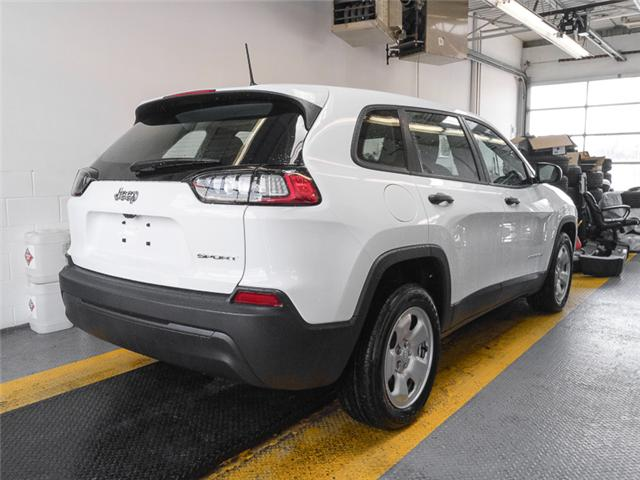 2019 Jeep Cherokee Sport (Stk: K148560) in Burnaby - Image 2 of 6