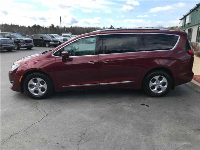 2017 Chrysler Pacifica Touring-L Plus (Stk: 9857) in Lower Sackville - Image 2 of 30