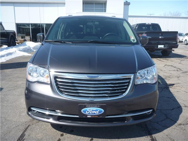 2016 Chrysler Town & Country Touring (Stk: 8U021) in Wilkie - Image 2 of 19