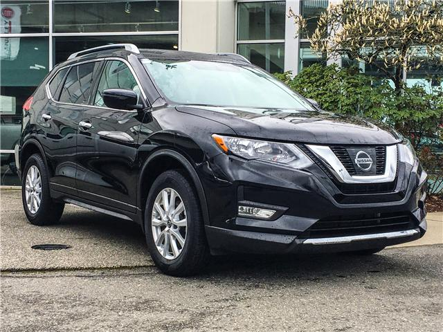 2017 Nissan Rogue SV (Stk: LF008460) in Surrey - Image 2 of 28