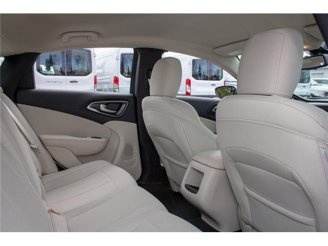 2016 Chrysler 200 LX (Stk: P80516) in Surrey - Image 11 of 23
