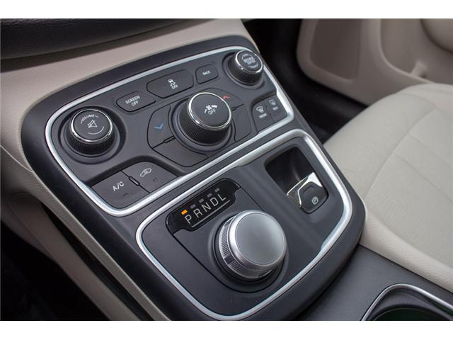 2016 Chrysler 200 LX (Stk: P80516) in Surrey - Image 21 of 23