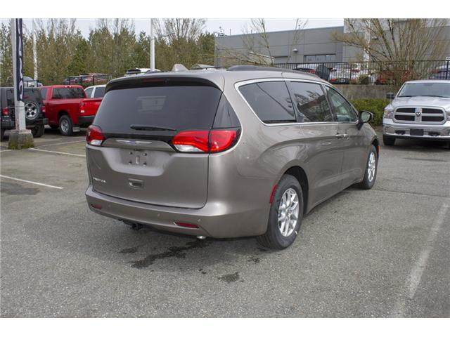 2017 Chrysler Pacifica Touring (Stk: H837809) in Abbotsford - Image 7 of 26
