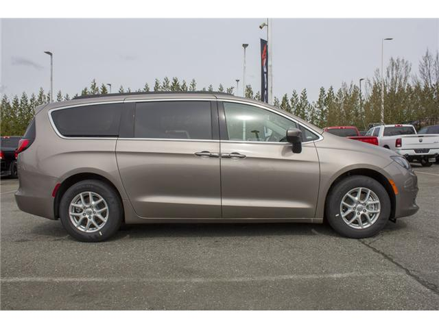 2017 Chrysler Pacifica Touring (Stk: H837809) in Abbotsford - Image 8 of 26