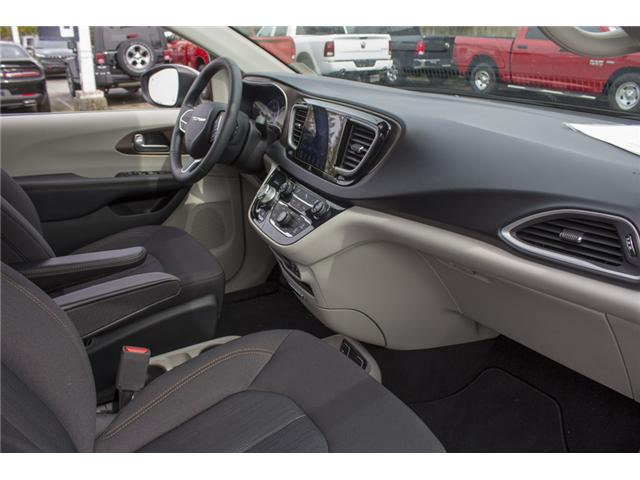 2017 Chrysler Pacifica Touring (Stk: H837809) in Abbotsford - Image 17 of 26