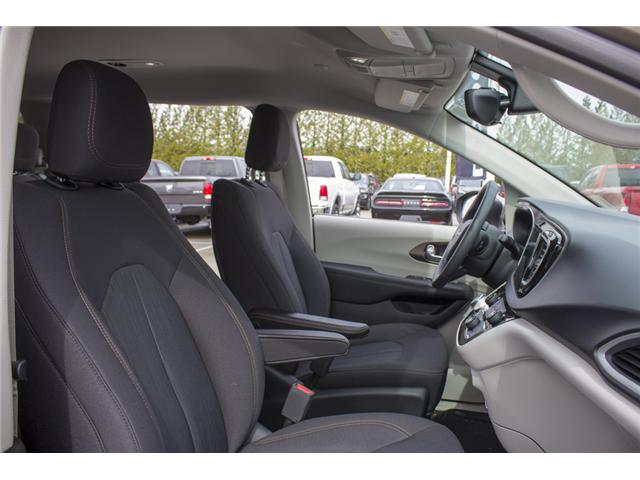 2017 Chrysler Pacifica Touring (Stk: H837809) in Abbotsford - Image 18 of 26