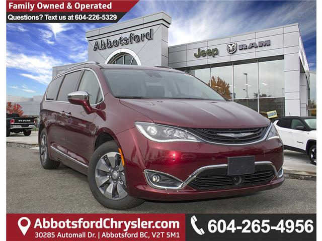 2017 Chrysler Pacifica Hybrid Platinum (Stk: H779192) in Abbotsford - Image 1 of 24