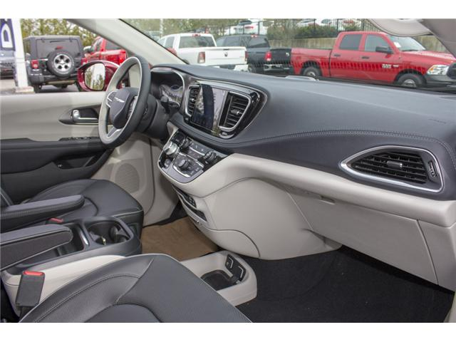 2017 Chrysler Pacifica Hybrid Platinum (Stk: H779192) in Abbotsford - Image 16 of 24