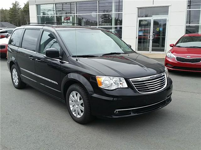 2014 Chrysler Town & Country Touring (Stk: U936) in Hebbville - Image 1 of 24