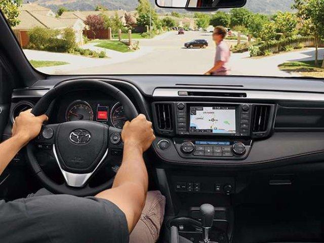 2017 Toyota RAV4 Limited (Stk: 2701238) in Calgary - Image 2 of 4