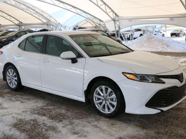 2018 Toyota Camry LE (Stk: 2800147) in Calgary - Image 1 of 6