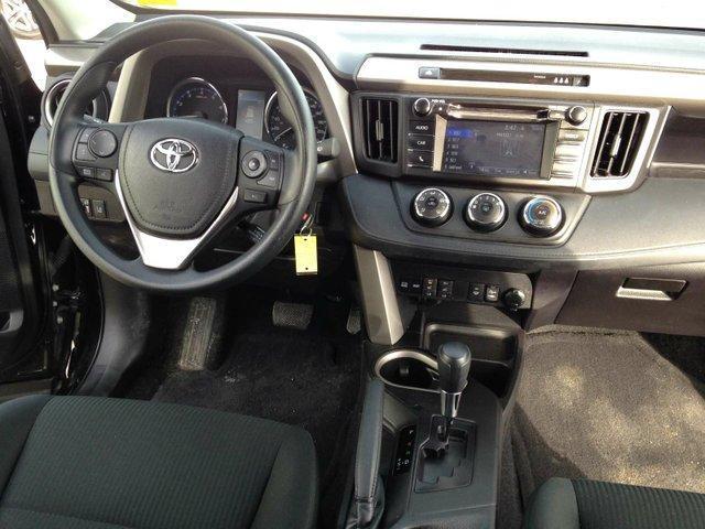 2017 Toyota RAV4 LE (Stk: 284046) in Calgary - Image 11 of 13