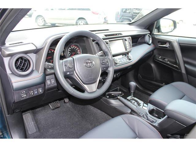 2018 Toyota RAV4 AWD (Stk: 11804) in Courtenay - Image 9 of 28