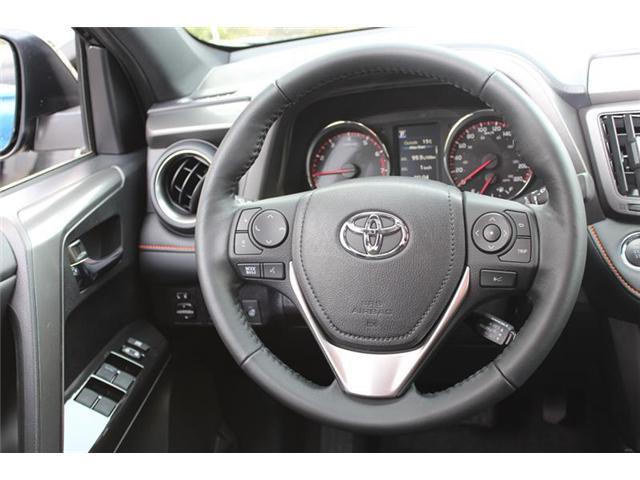 2018 Toyota RAV4 AWD (Stk: 11802) in Courtenay - Image 11 of 28