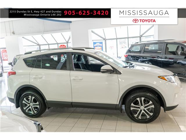 2017 Toyota RAV4 LE (Stk: 19606) in Mississauga - Image 2 of 17