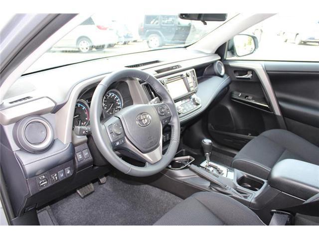 2018 Toyota RAV4 AWD (Stk: 11836) in Courtenay - Image 9 of 26