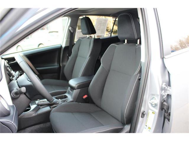 2018 Toyota RAV4 AWD (Stk: 11836) in Courtenay - Image 10 of 26