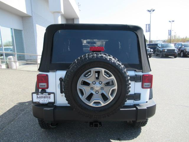 2016 Jeep Wrangler Rubicon (Stk: EE890740A) in Surrey - Image 6 of 25