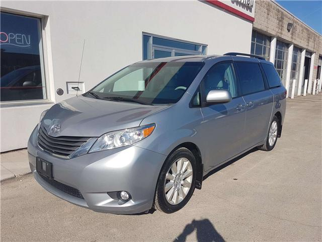 2014 Toyota Sienna XLE 7 Passenger (Stk: U00763) in Guelph - Image 1 of 30