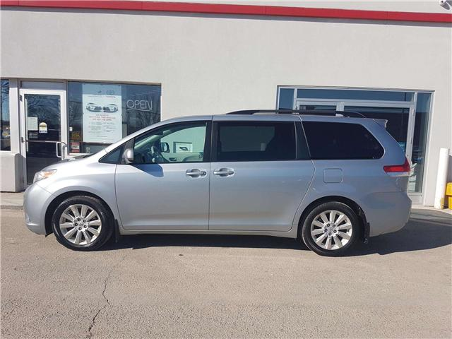 2014 Toyota Sienna XLE 7 Passenger (Stk: U00763) in Guelph - Image 2 of 30
