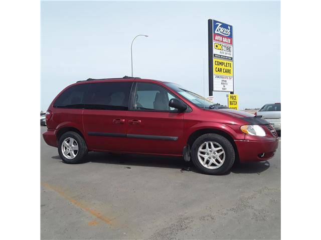 2005 Dodge Caravan SXT (Stk: ) in Brandon - Image 1 of 9
