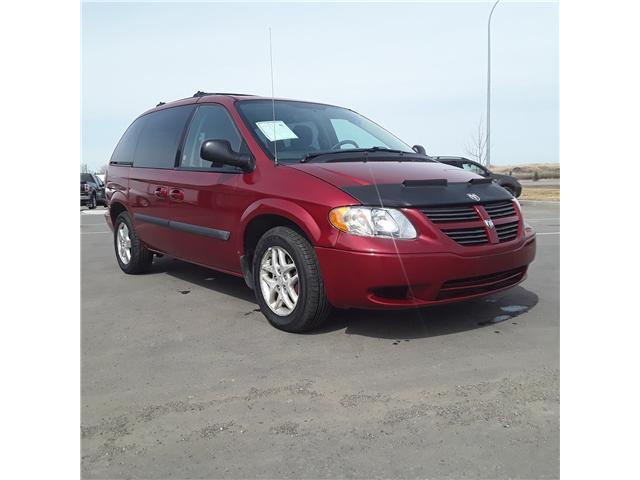 2005 Dodge Caravan SXT (Stk: ) in Brandon - Image 2 of 9