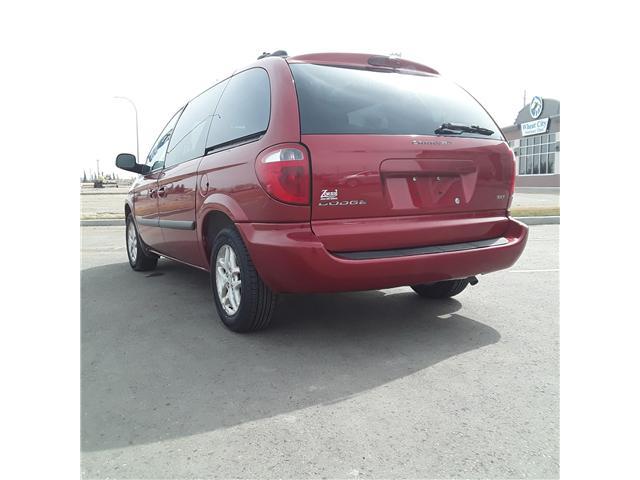 2005 Dodge Caravan SXT (Stk: ) in Brandon - Image 4 of 9
