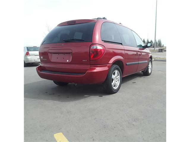 2005 Dodge Caravan SXT (Stk: ) in Brandon - Image 5 of 9