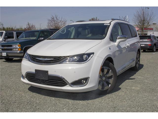 2017 Chrysler Pacifica Hybrid Platinum (Stk: H745558) in Abbotsford - Image 3 of 29