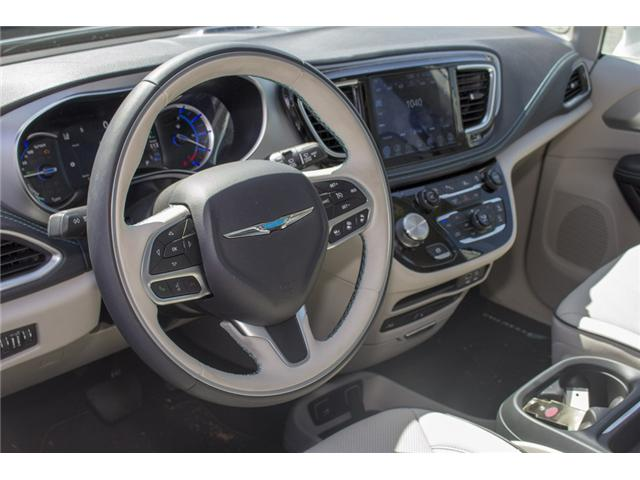 2017 Chrysler Pacifica Hybrid Platinum (Stk: H745558) in Abbotsford - Image 13 of 29