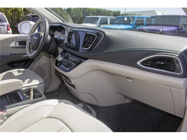 2017 Chrysler Pacifica Hybrid Platinum (Stk: H745558) in Abbotsford - Image 20 of 29