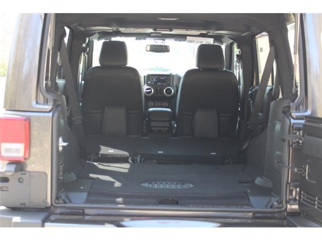 2018 Jeep Wrangler JK Unlimited Sahara (Stk: L863697) in Courtenay - Image 14 of 29