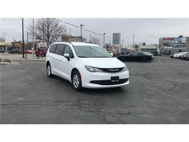 2018 Chrysler Pacifica LX (Stk: 1837) in Windsor - Image 2 of 11