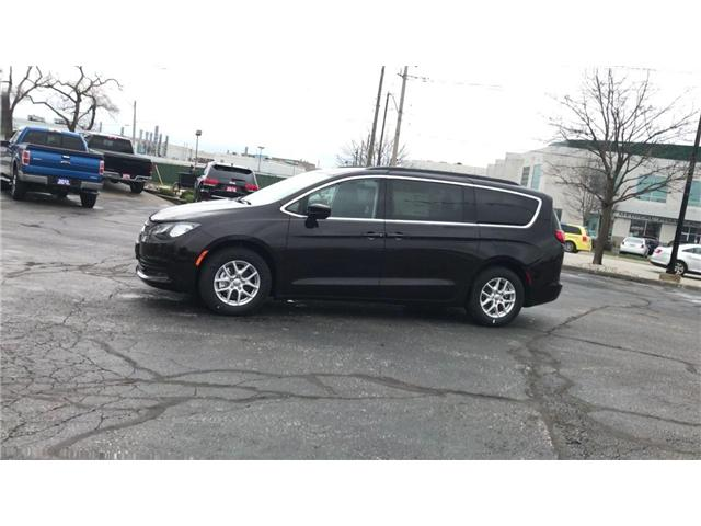 2018 Chrysler Pacifica LX (Stk: 18157) in Windsor - Image 4 of 11