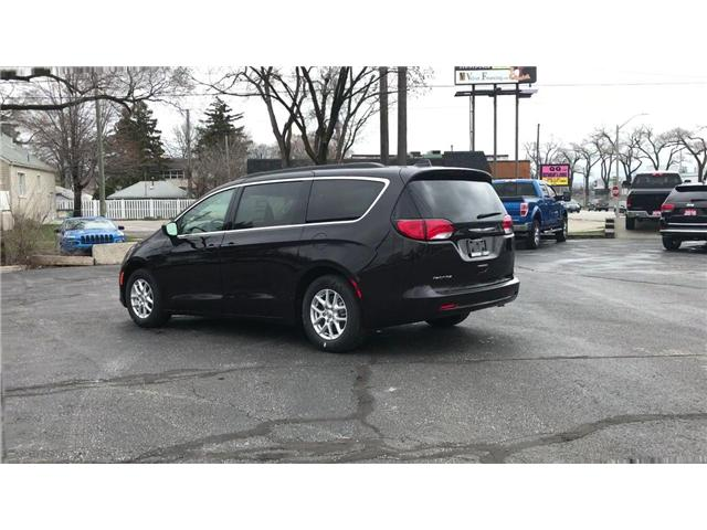 2018 Chrysler Pacifica LX (Stk: 18157) in Windsor - Image 6 of 11