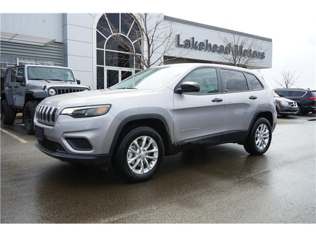 2019 Jeep Cherokee Sport (Stk: 191013) in Thunder Bay - Image 1 of 4